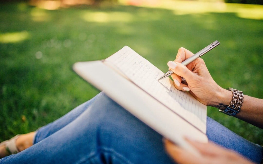 Exercício de autoconhecimento: escreva um diário positivo