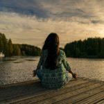Relaxar é uma das finalidades do método de relaxamento de Betty-Erickson.